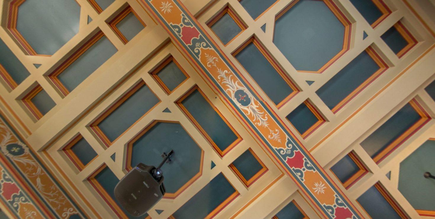 Plafond salle 101 / CCI Colmar © Pascal SCHWIEN pour Panoramaweb